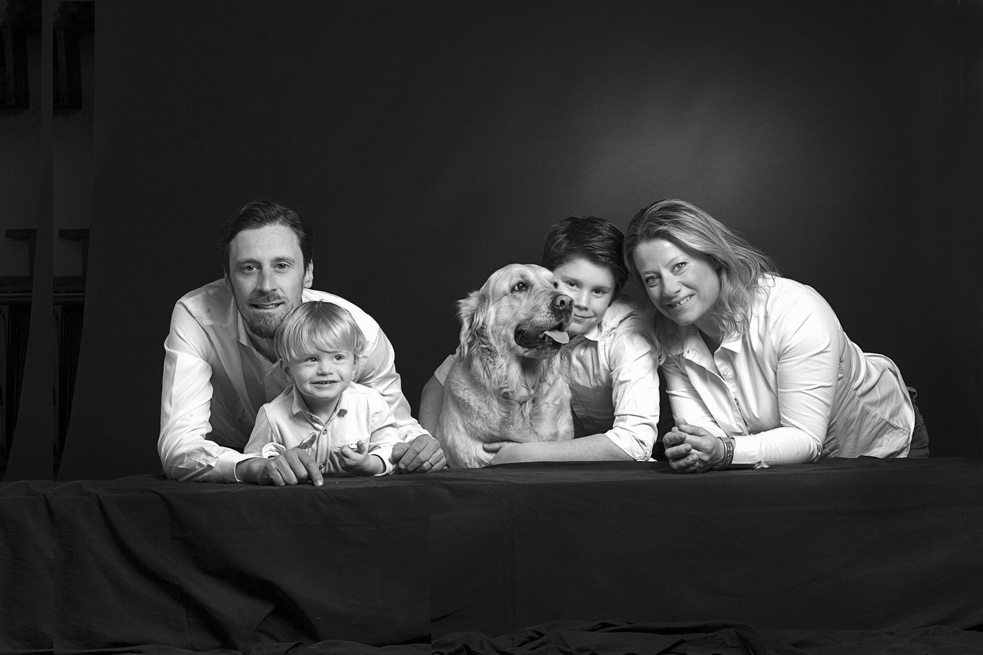 fotografia famiglia con cane